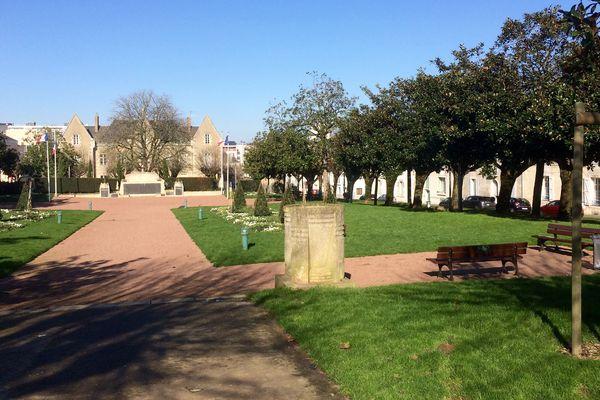 La Place Albert 1er à La Roche sur Yon deviendra Esplanade Simone Veil