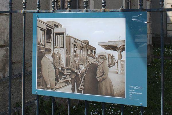 Photographie prise à la gare de Sarzay-Fougerolles par Jenny de Vasson en 1904.