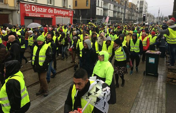 Premier rassemblement des Gilets jaunes à Brest sans les syndicats