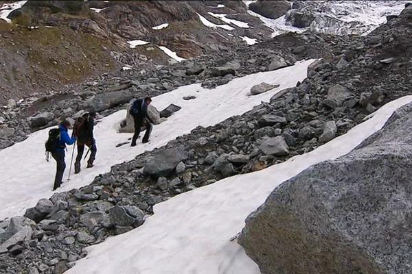 Le chercheur Dijonnais Jean-François Buoncristiani, en mission avec ses collègues dans le massif du Mont-Blanc.