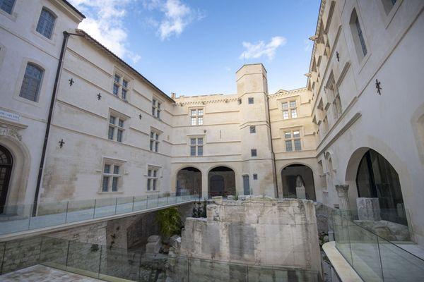 Après 11 ans de fermeture, le public retrouve le Museon Arlaten à Arles. Rénové en profondeur, il est ouvert tous les jours sauf le lundi de 10h à 18h.