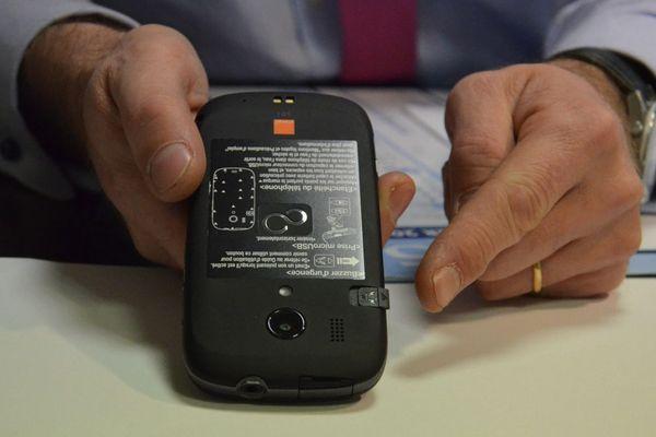 """Un modèle de """"Téléphone grave danger"""" ou TGD qui permet de protéger les femmes victimes de violences conjugales"""