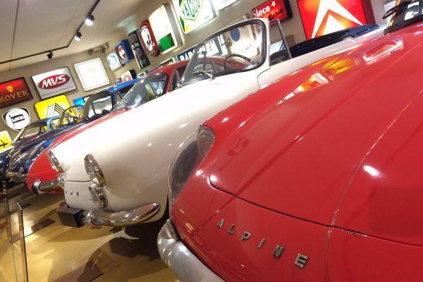 De belles voitures à admirer au musée de Lohéac