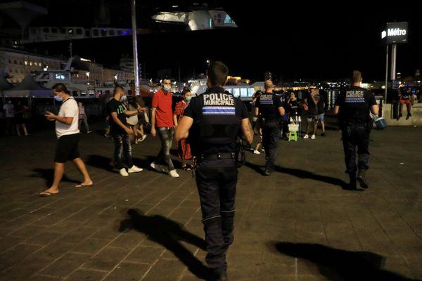 De 21 heures à 6 heures les déplacements seront interdits dans la métropole Aix-Marseille, sauf dérogation. Les contrevenants s'exposent à 135€ d'amende.