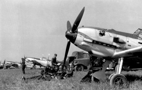 Les Messerchmitt Bf109 de la JG51, dans le Pas-de-Calais, en août 1940.