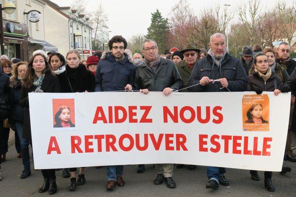 Le samedi 13 janvier 2018, le père d'Estelle Mouzin (au centre) a ouvert une marche silencieuse pour ne pas oublier sa fille disparue le 9 janvier 2003.
