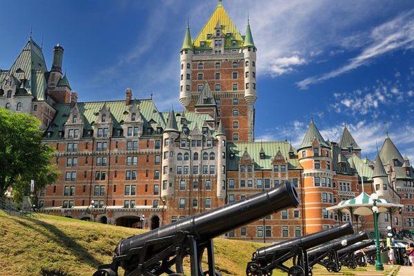 Le château Frontenac, dans la ville de Québec