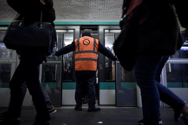 Un métro à Châtelet, le 17 décembre dernier (illustration).