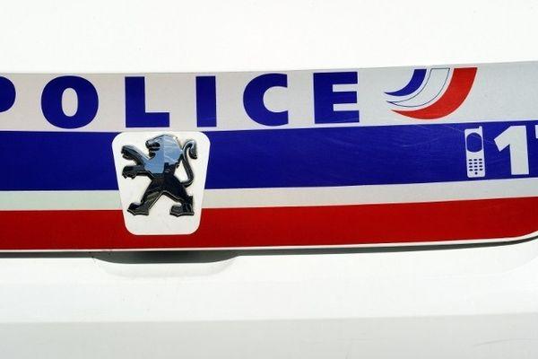 Un faux policier a été interpellé sur la voie publique à Petit-Quevilly par une vraie patrouille cette fois.