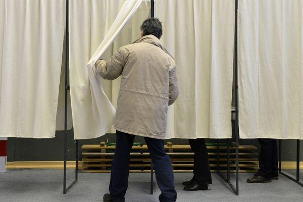Dans un bureau de vote à Rennes