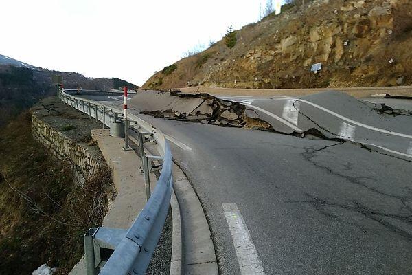 Pyrénées-Orientales - La RN 116 lors du mouvement de terrain - 04.02.20