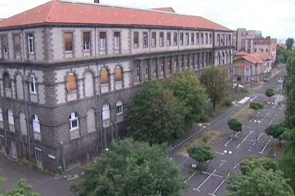 Les bâtiments désaffectés de l'Hôtel-Dieu sont situés en plein coeur de Clermont-Ferrand.