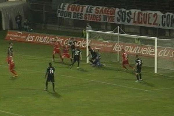 Nîmes : le SCO d'Angers battu 3 à 0 par les crocos aux Costières - 26 avril 2013.