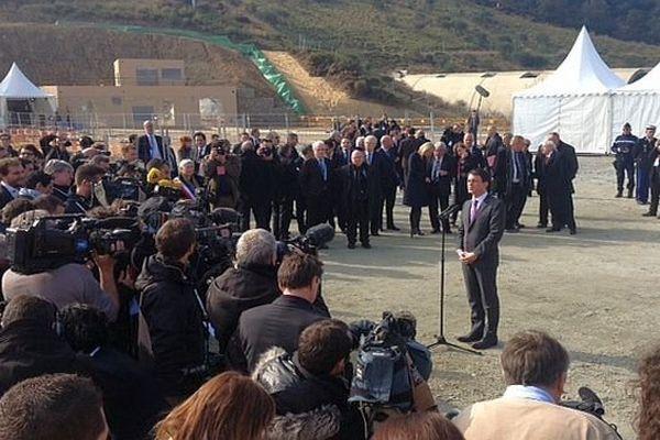 Montesquieu-des-Albères (Pyrénées-Orientales) - Manuel Valls inaugure la ligne électrique THT souterraine entre la France et l'Espagne - 20 février 2015.