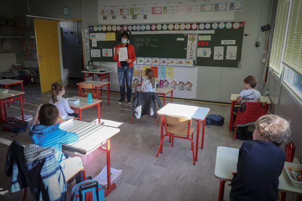 Crèches, écoles, collèges et lycées font leur rentrée ce lundi 2 novembre, dans un contexte sanitaire et sécuritaire préoccupant.