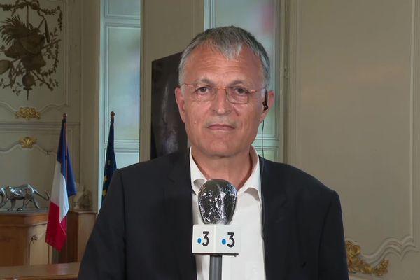 Bernard Paineau a été élu maire de Thouars avec 42,53 % des voix.