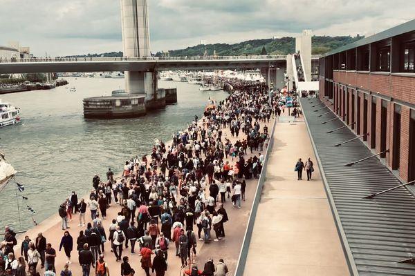 Forte affluence sur les quais de Rouen à l'Armada durant le week-end de Pentecôte.