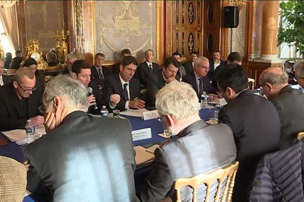Les élus ont souhaité montrer leur cohésion ce jeudi, autour de la future ligne Marseille-Nice.