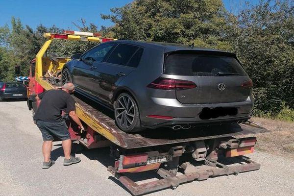 Gard : cette voiture a été flashée à 170km/h sur une départementale à Saint-Hippolyte-de-Caton près d'Alès - 5 septembre 2020.