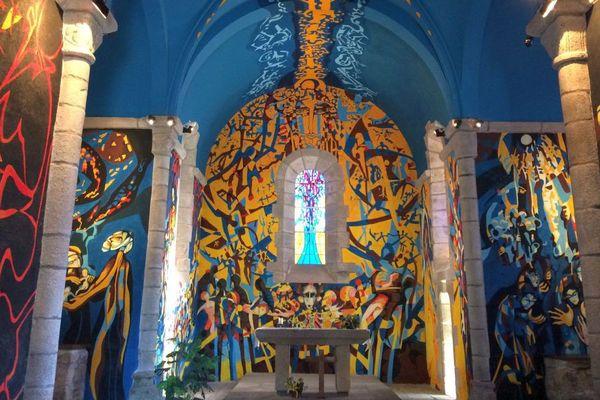 Les étonnantes fresques murales de Sous-Parsat en Creuse.