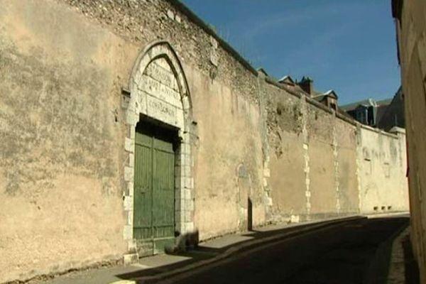 """Maison d'arrêt de Chartres dans laquelle les condamnés auraient dû purger leur peine. L'un deux avait été reconnu coupable de """"violences sur policier, outrages et conduite en état d''ivresse""""."""
