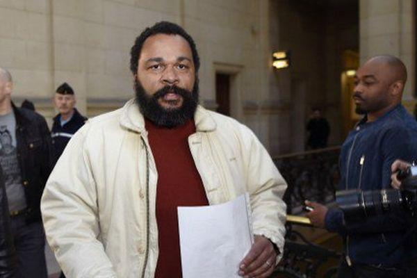 Dieudonné M'bala M'bala au tribunal de Paris le 12 mars
