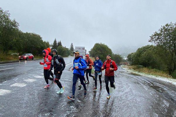 Malgré le froid, ces coureurs gardent leur motivation.