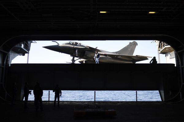 Le future porte-avions pourra embarquer 30 avions de combat.