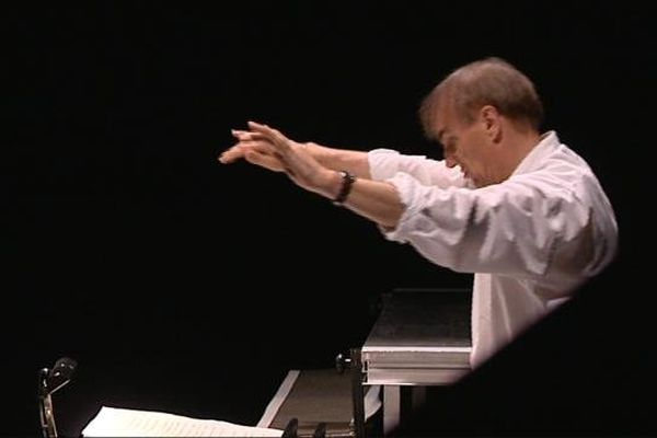 """Daniel Kawka, le directeur musical, lors des toutes 1ères répétitions de """"L'or du Rhin"""" de Wagner à l'opéra de Dijon"""