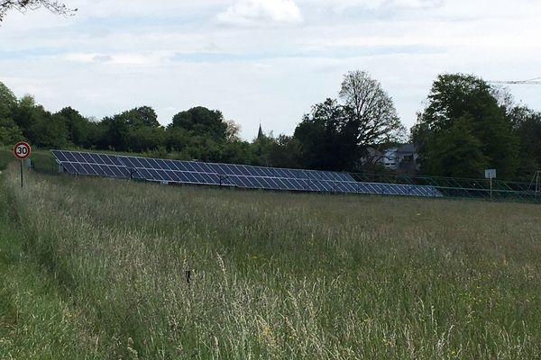 150 panneau solaires seront bientôt reliés au réseau d'électricité à Bouxières-aux-Bois près d'Epinal.
