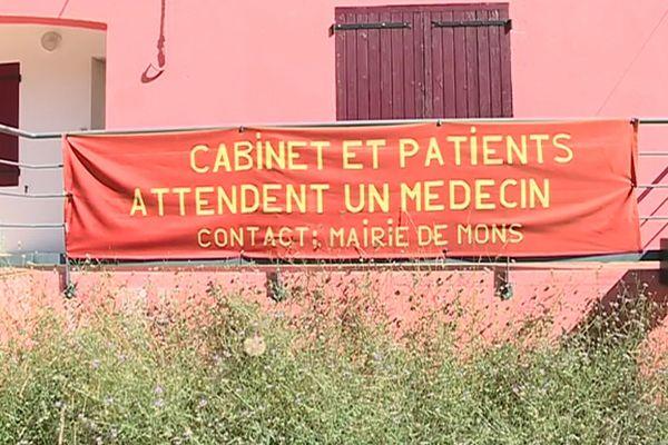 Au mois de mars, l'unique médecin de Mons dans le Gard est parti, laissant ses patients démunis.