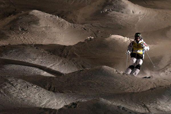Perrine Laffont s'est imposée jeudi 6 février lors de la sixième étape de la coupe du monde de ski de bosses à Deer Valley (Utah) aux Etats-Unis