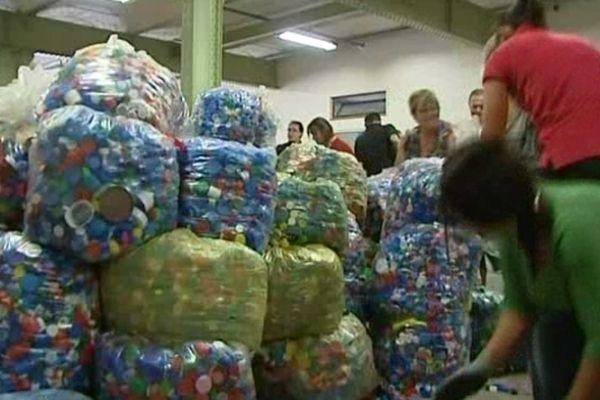 951 sacs chargés en deux heures