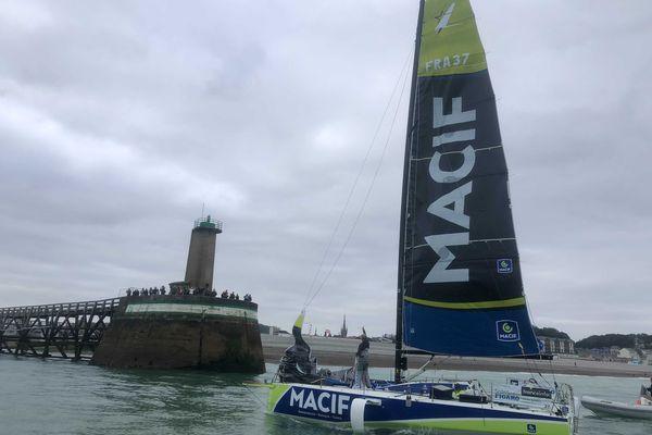 Le navigateur Pierre Quiroga (Macif) a remporté la deuxième étape de la Solitaire du Figaro entre Lorient et Fécamp.