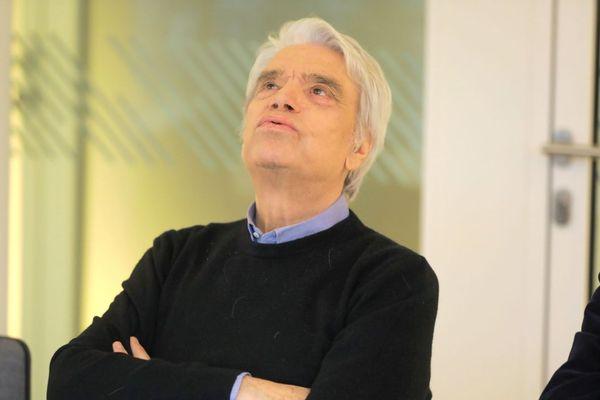 Avec cette décision, dont il entend faire appel, Bernard Tapie perd le contrôle sur l'hôtel de Cavoye et sur ses participations dans le groupe de médias La Provence.