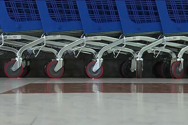 Les roues se bloquent normalement au delà d'un périmètre.