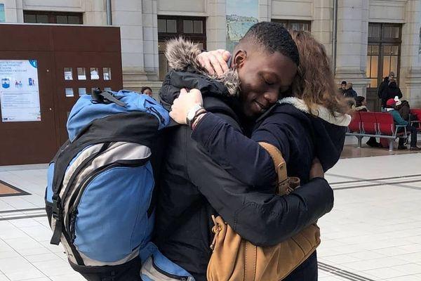 Mody, jeune malien de 16 ans, va pouvoir rester auprès de sa famille d'accueil