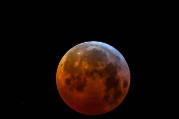 Mardi 19 février, il sera possible d'observer une super Lune, si la météo le permet.