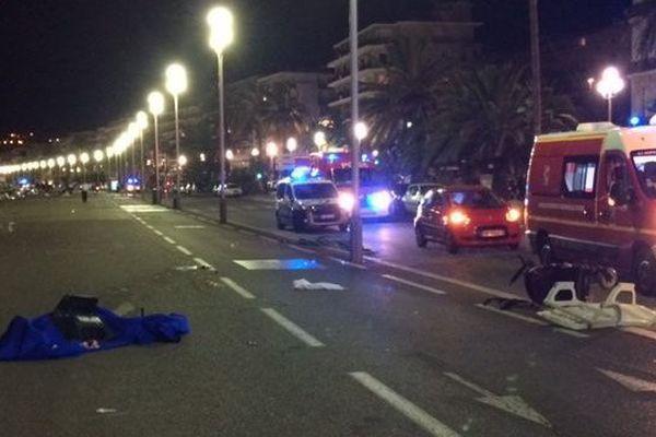 Sur la Promenade des Anglais, quelques minutes après le drame le 14 juillet 2016.