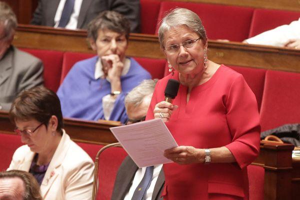 Catherine Coutelle pendant une séance de questions au gouvernement à l'Assemblée nationale