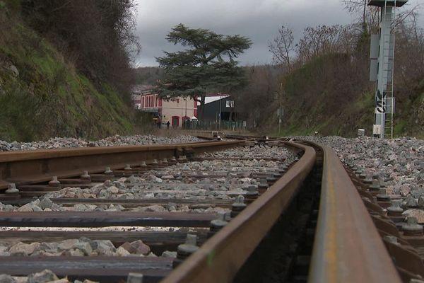 Les trains ne passent plus à Boën, la ligne entre Thiers et Saint-Etienne est interrompue sur 48 kilomètres