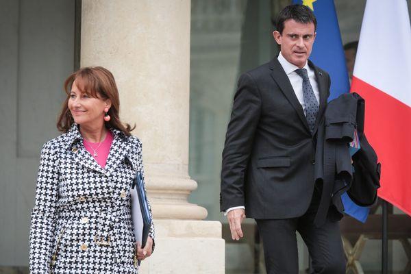 Sortie du conseil des ministres Ségolène Royal Ministre de l'Environnement, de l'Énergie et de la Mer, et Manuel Valls Premier ministre, le 19 octobre 2016