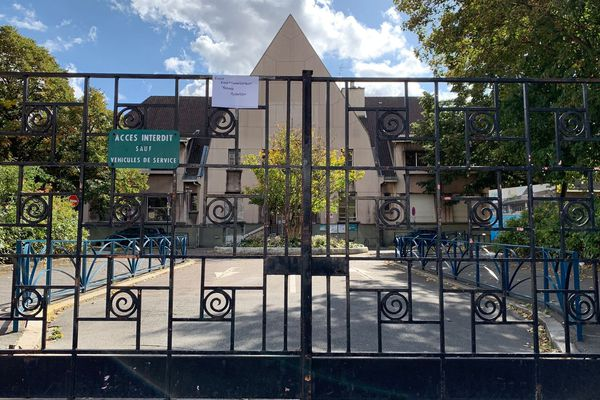 L'école maternelle Méhul à Pantin où la directrice Christine Renon s'était suicidée.