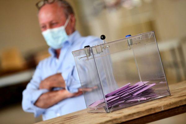 En Auvergne-Rhône-Alpes, trois listes étaient en lice pour le second tour des élections régionales, dimanche 27 juin.