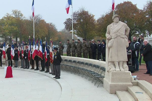 En 2019, la France célèbre le 101e anniversaire de l'armistice qui mit fin à la Première Guerre mondiale. Des cérémonies du souvenir ont été organisées à Dijon.