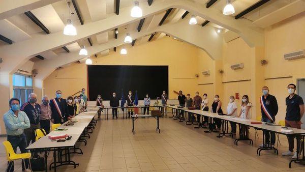 Le conseil municipal de Saint-Laurent-des-Arbres, le 25 mai 2020