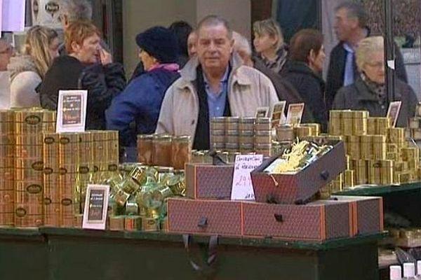 Le 9e marché des plaisirs gourmands de Mâcon attire gourmands et gourmets.
