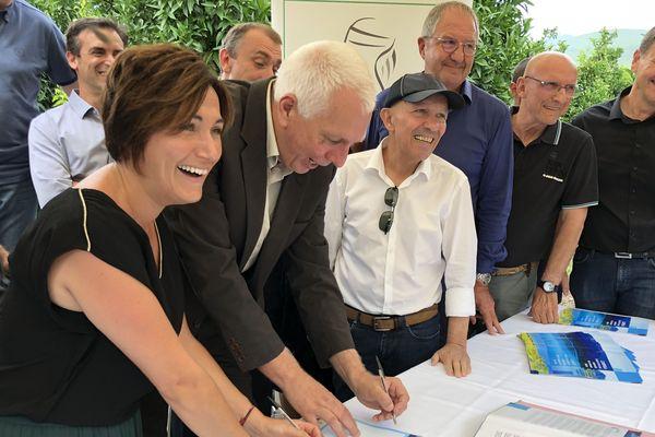 Une charte pour une meilleure gestion de la ressource en eau a été signée entre plusieurs représentants du monde agricole.