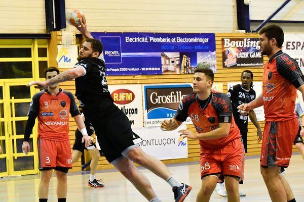 Jérémie Courtois fait partie de l'effectif de Saran Handball pour la prochaine saison.