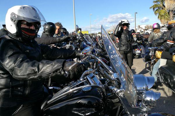 A Saint-Jean-de-Vedas, une centaine de motards étaient présents en hommage à Johnny Hallyday le 9 décembre 2017